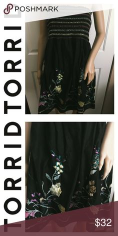 Torrid Cinched Floral Embroidered Strapless Dress! Brand new with tags, never worn! Size 1 in Torrid, or 1X in regular sizing (14/16) Could be worn as a bathing suit coverup! Smoke and pet free home. No trades. ❤️ torrid Dresses Strapless