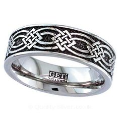 Geti Flat Titanium Celtic Square Knot Ring