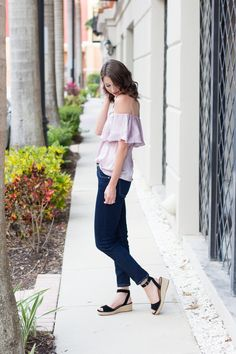 I've always loved pastel shades of purple, but up until this adorable lavenderoff-the-shoulder top i've never invested in one. Apart from its gorgeous color, I fell in love with it's ruffled details and knew I had to buy it for spring and summer. I love that it'salso satin, giving it a little bit of a …