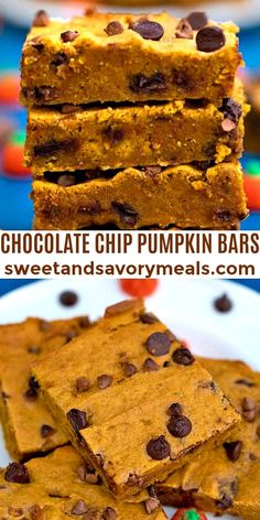 Chocolate Chip Pumpkin Bars can make the autumn season taste sweeter. Loaded with pumpkin spice and chocolate this makes for a great Halloween treat. #pumpkin #pumpkinbars #thanksgiving #pumpkinrecipes #halloween #sweetandsavorymeals Köstliche Desserts, Chocolate Desserts, Delicious Desserts, Dessert Recipes, Yummy Food, Birthday Desserts, Health Desserts, Dinner Recipes, Pumpkin Bars