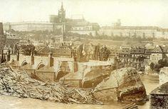 Karlův most byl za více než 650 let své existence mnohokrát ohrožován povodněmi. Nakonec povodeň na jaře 1342, kdy při tání ledu velká voda strhla Juditin most, vlastně stála u jeho zrodu. Karel IV. rozhodl Juditin most už neopravovat, ale…