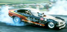 A nostalgic look back at drag racing funny cars from the Funny Car Drag Racing, Nhra Drag Racing, Funny Cars, Auto Racing, Funny Looking Cars, Speedway Grand Prix, Vegas, Top Fuel Dragster, Thing 1