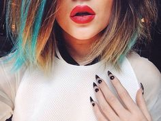 nail polish pointy nails kylie jenner lipstick nail art make-up blue hair dip dyed highlights polka dots black and white spikey nail accessories Kylie Jenner Lipstick, Uñas Kylie Jenner, Ongles Kylie Jenner, Kyle Jenner, Jenner Makeup, Blue Red Lipstick, Red Lipsticks, Twiggy, Khloe Kardashian