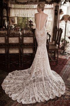 SUPERIOR BACK  This #stunning #weddingdress is by #NaamaAnat Israeli #hautecouture #designers. Available in USA IRELAND  UK CYPRUS GREECE ITALY at  #bridal boutique  #designer weekend. #bride #bridetobe #bridetobelux #engaged #lacedress #lace #Israeli #weddinggown #weddinginspiration #destinationwedding #instafashion #bridal #designerdress #designerweekend http://naamanatbridal.com/