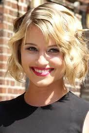 Dianna Agron short hair style wavy