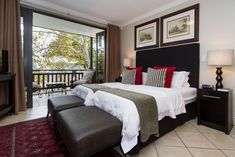 Life & Leisure Oudehoek 103 in Stellenbosch Apartment Chic, One Bedroom Apartment, Holiday Apartments, Catering, Cape, Flooring, Luxury, Stylish, Modern