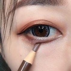 Schöne Make-up TutorialCompilation - Top MakeUp Trends 2020 Makeup Korean Style, Korean Makeup Tips, Asian Eye Makeup, Korean Makeup Tutorials, Eyebrow Makeup, Beauty Makeup, Asian Makeup Hacks, Makeup Geek, Hair Korean Style