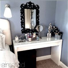#ShareIG OMG LOOOVE THIS VANITY SET UP FROM PINTEREST. Its says Almafied.  not sure if this person has an ig or not. But its Beautiful ♥♥♥♥♥♥