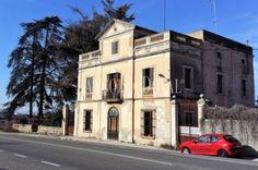 Avinyonet del Penedès. Clariana. Casa en venta a restaurar ideal hostelería. Barcelona.