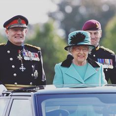 The Queen inspects the troops on parade at Brompton Barracks, Chatham.  Her Majesty, Colonel-in-Chief, is visiting the Corps of Royal Engineers today in celebration of their 300th anniversary.  #ProudSappers #Sapper300