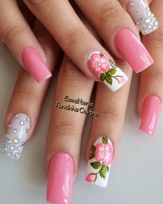 uñas decoradas #damas #uñas #vestidos #dresses #tatuadas #honor White Nail Designs, Best Nail Art Designs, Cute Pink Nails, White Nails, Gorgeous Nails, Pretty Nails, Summer Nails 2018, Finger Nail Art, Aycrlic Nails