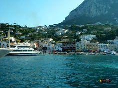 Marina Grande /Port of Capri/ Nikon Coolpix L310, 8.4mm,1/1000s,ISO800,f/10.2, -0.3 201507151731