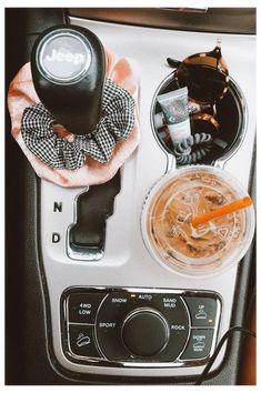 Auto Jeep, Hippie Auto, Hippie Car, Fancy Cars, Cute Cars, Future Car, Wallpaper Carros, Car Wrap Design, Toyota