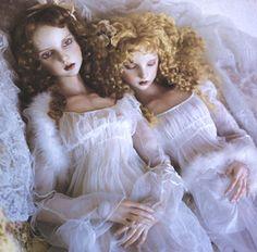 Doll / Haniel head sculpt. Doll artist / Koitsukihime. Photograph / Koitsukihime + studio parabolica. / Le Pantheon de Luna (2004)