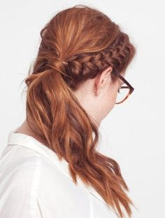 Office Hairstyles for Women: Side Ponytail