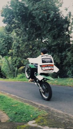 Number One, Chanyeol, Motorcycle, Vehicles, Boys, Pictures, Heaven, Boyfriend, Couple