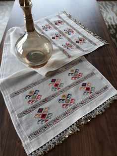 vuslat-ı rahman's media analytics. Hardanger Embroidery, Hand Embroidery, Cross Stitch Geometric, Bargello, Counted Cross Stitch Kits, Stitch Patterns, Needlework, Diy And Crafts, Crafty