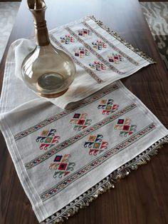 vuslat-ı rahman's media analytics. Hardanger Embroidery, Hand Embroidery, Counted Cross Stitch Kits, Bargello, Stitch Patterns, Needlework, Pop Art, Diy And Crafts, Diy Projects