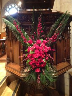 Palm Sunday pulpit 2014 Altar Decorations, Flower Decorations, Art Floral, Christmas Wreaths, Christmas Decorations, Holiday Decor, Florist Window Display, Divine Mercy Sunday, Tropical Floral Arrangements