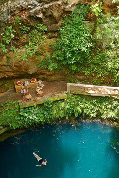 Swim and snorke in the cenote Xocempich