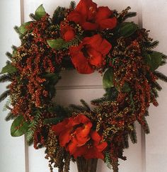 DIY: How to Make a Wreath - great info on the different types of wreaths and instructions on how to work with them