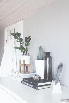 Bedroom Shelf.