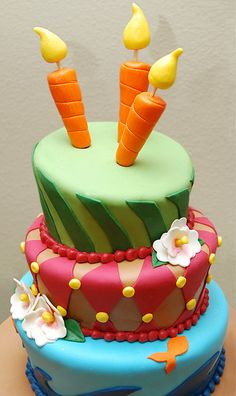 Topsy Turvy Cake - LOVE the candles