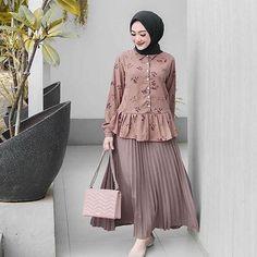 Stylish Hijab, Modest Fashion Hijab, Modern Hijab Fashion, Muslim Women Fashion, Casual Hijab Outfit, Fashion Outfits, Hijab Chic, Womens Fashion, Hijab Stile