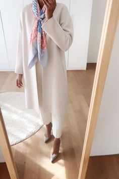 Hermes scarves outfit ideas. Boho Outfits, Style Outfits, Classy Outfits, Casual Outfits, Work Fashion, Hijab Fashion, Fashion Outfits, Womens Fashion, Outfit Jeans