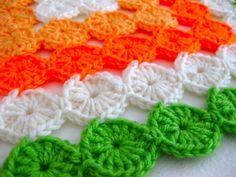 Yo-Yo crochet. Yes please. Too cool. ༺✿ƬⱤღ  http://www.pinterest.com/teretegui/✿༻