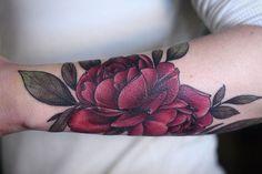 "804 Likes, 5 Comments - Wonderland Tattoo (@wonderlandpdx) on Instagram: ""#rich #red #rose by Alice Carrier @alicerules #botanicaltattoo #rosegarden #portlandtattoo…"""