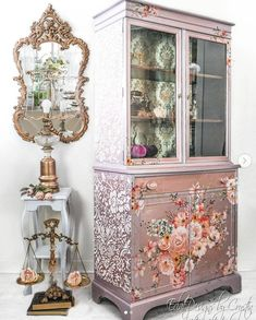 Antique Cabinets, Wood Cabinets, Furniture Makeover, Diy Furniture, Floral Furniture, Bohemian Furniture, Selling Furniture, Dining Furniture, Painted China Cabinets