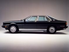 This reminds me of the '70's and im absolutly in love with that time period | Maserati Quattroporte