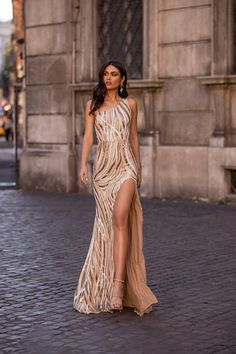 Formal/Prom Gown - Alamour The Label Mermaid Evening Dresses, Prom Dresses, Formal Dresses, Formal Prom, Foto Glamour, Talons Sexy, One Shoulder Gown, Sequin Gown, White Gowns