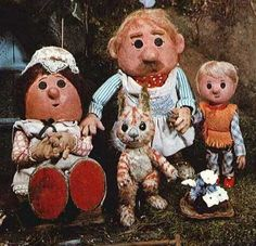 The Pogles of Pogles Wood. 'Met' them at an Oliver Postgate/Peter Firmin seminar along with Bagpuss at the National Film Theatre in London! 1970s Childhood, Childhood Tv Shows, My Childhood Memories, Kids Tv, Old Tv Shows, Ol Days, My Memory, The Good Old Days, Vintage Children