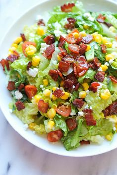 Chopped Salad BLT Chopped Salad - All the goodness of a BLT in a healthy salad form with a refreshing lime vinaigrette!BLT Chopped Salad - All the goodness of a BLT in a healthy salad form with a refreshing lime vinaigrette! Blt Chopped Salads, Chopped Salad Recipes, Easy Salads, Healthy Salad Recipes, Summer Salads, Avocado Recipes, Kale Recipes, Clean Eating, Healthy Eating