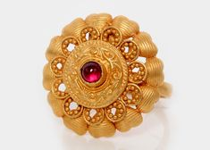 PNG ( P N Gadgil And Sons ) : Our Women section, provides you with exclusive jewellery designs in gold rings designs jewellery in all our stores in Pune. Gold Jewelry Simple, Gold Rings Jewelry, Gold Bangles, Jewelry Art, Bangle Bracelets, Gold Ring Designs, Gold Earrings Designs, Gold Jewellery Design, Gold Finger Rings