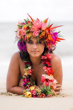 Hawaiian Woman, Hawaiian Girls, Hawaiian Dancers, Hawaiian Art, Hawaiian Flowers, Polynesian Girls, Polynesian Dance, Polynesian Culture, She Is Gorgeous