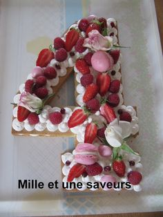 Number Cakes, Saveur, Christmas Wreaths, Mille, Holiday Decor, Desserts, Scrapbooking, Birhday Cake, Sweet Recipes