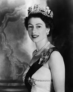 In June 1953, 27-year-old Princess Elizabeth ascended to the throne and became the Queen of England and ruler of much of the free world. Description from georgiapapadon.com. I searched for this on bing.com/images