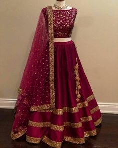 Indian Gowns Dresses, Indian Fashion Dresses, Indian Designer Outfits, Pakistani Dresses, Indian Designers, Fashion Outfits, Indian Bridal Lehenga, Indian Bridal Outfits, Punjabi Lehenga