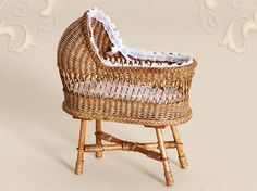 WC/210, wicker, cradle, scale 1 : 12, made by Will Werson.