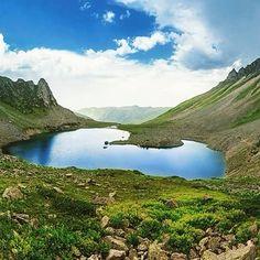 Avasor gölü/Çamlıhemşin/Rize/// Avusor Gölü, Kaçkar Dağları üzerinde, Rize'nin Çamlıhemşin ilçesi sınırları içinde, Avusor Yaylası yakınında bulunuyor.