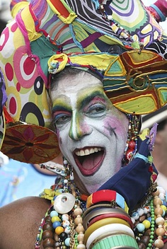 ) takes part at the Banda de Ipanema carnival parade in Rio de Janeiro, Brazil. I found this picture here and realized that was my uncle! Carnival Parade, Rio Carnival, Just Smile, Smile Face, How Beautiful, Beautiful People, Festival Hats, Brazilian People, Culture Shock