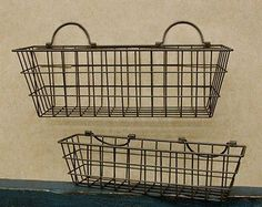 RUSTY WIRE WALL BASKET SET Primitive Country Rustic Home Decor ( i LOVE wire baskets)