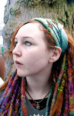 So ive been wanting to do one dread like this but im scared itll take over my head hempf
