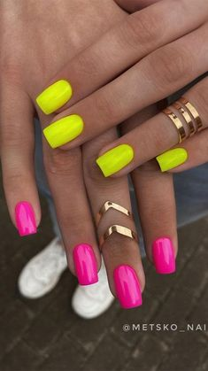 One Color Nails, Neon Nail Colors, Different Color Nails, Neon Acrylic Nails, Neon Nails, Yellow Nails, Pink Manicure, Dipped Nails, Fire Nails