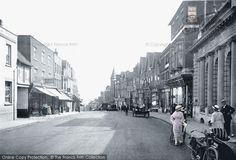 Photo of St Albans, Chequer Street Part of The Francis Frith Collection of historic photographs of Britain. Did you know you can browse the archive online today for free? Your nostalgic journey has begun. St Albans, Vintage London, Beautiful Images, Britain, Past, Places To Visit, England, Street View, Journey