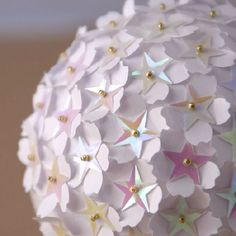 Quick and easy Christmas ball. Perfect to make with children.