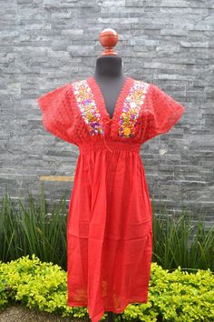 Chiapas Flowered Dress Huipil Dress Mexican Dress   Etsy Mexican Embroidered Dress, Embroidered Clothes, Traditional Mexican Shirts, Mexican Skirts, Mexican Outfit, Handmade Clothes, Flower Dresses, Cotton Dresses, Blouses For Women